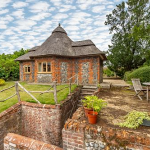staycation ideas in the UK, norfolk hideaways holiday cottage,